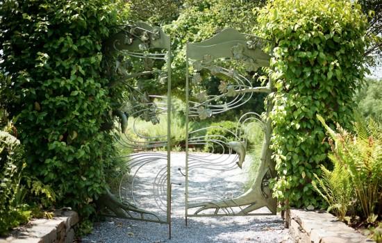65 acres of gardens