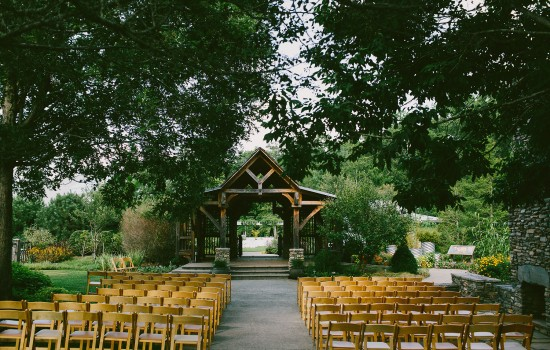Wedding ceremony in the Heritage Garden. Photo credit: Jeremy Russell Photography.